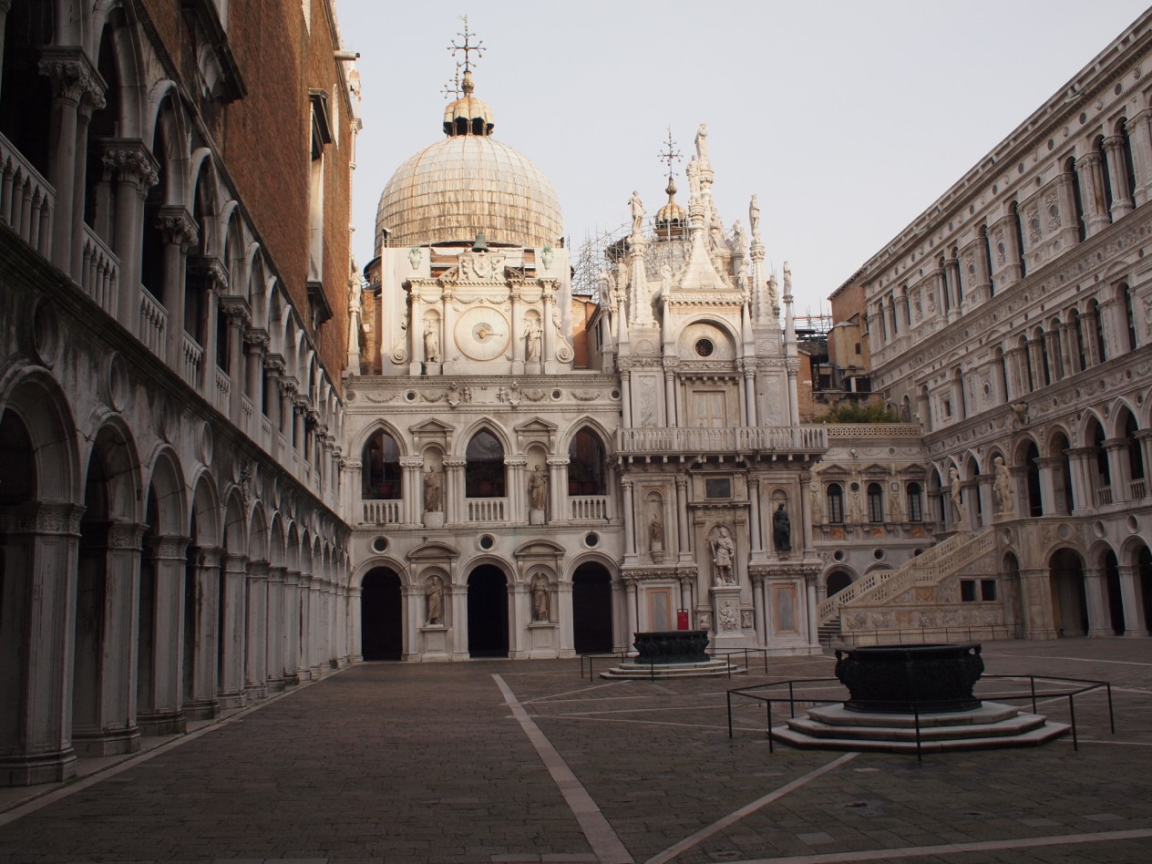 Venezia ti amo palazzo ducale san marco for Piani di coperta del cortile